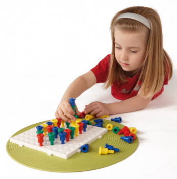 Jumbo Peg Board with 100 Pegs